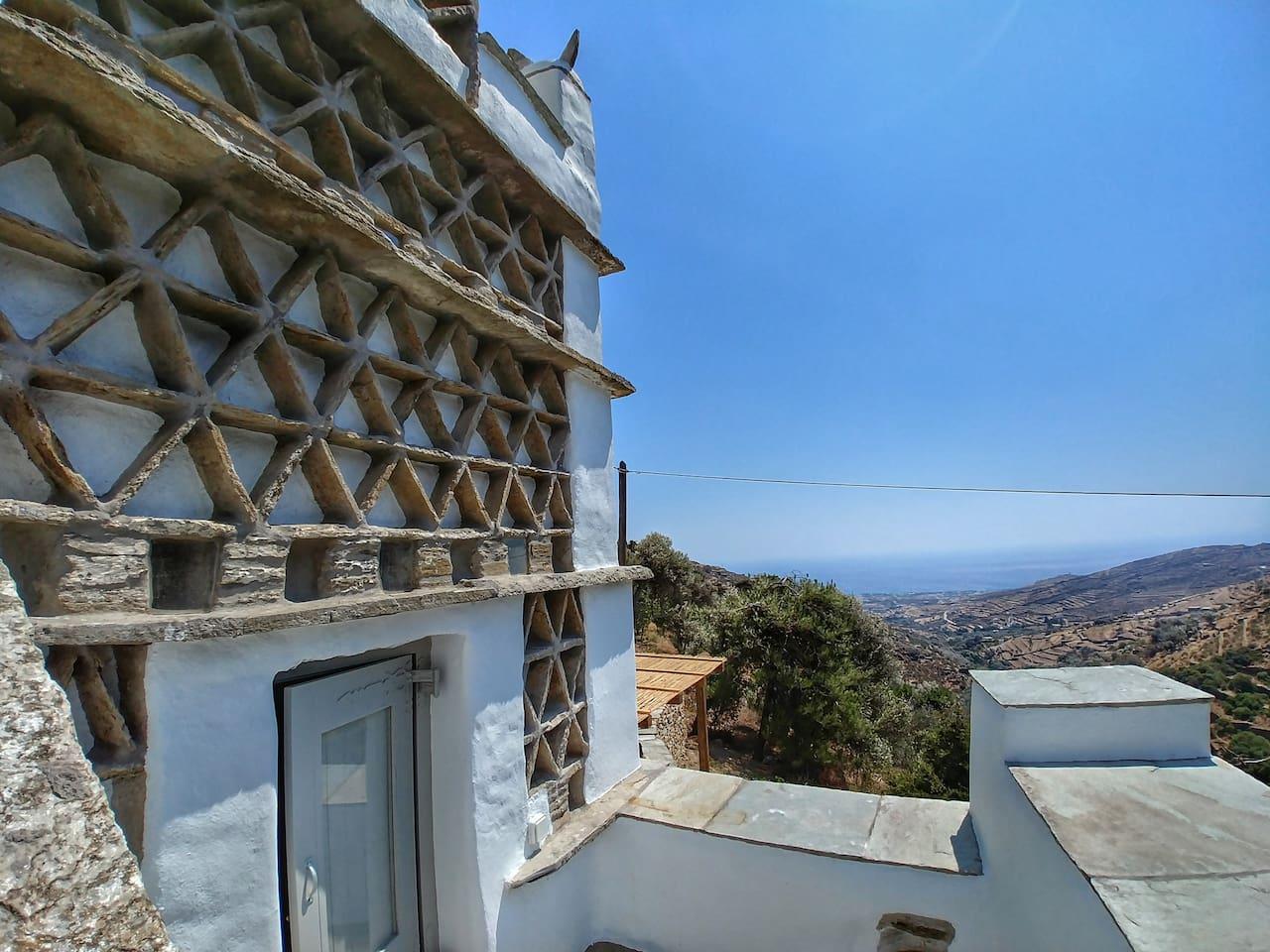 Socrates' pigeon house