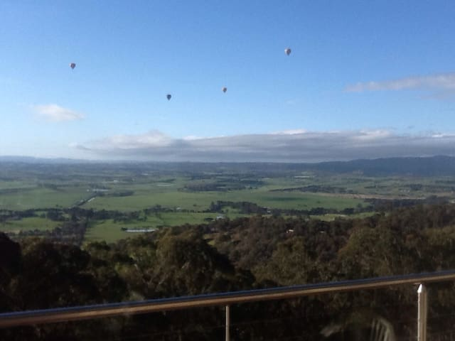 Spectacular views of Yarra Valley