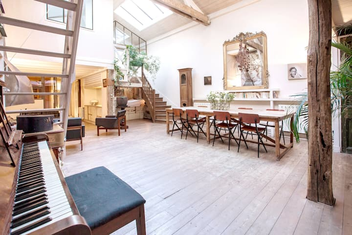 Loft on Canal St-Martin/15' walk to Le Marais/5bdr