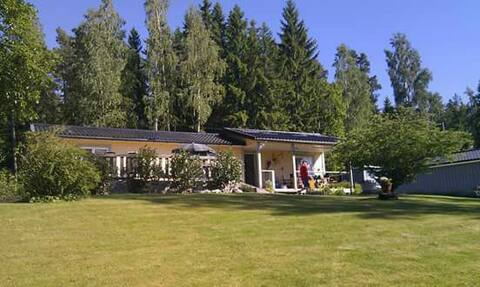 Perfect summer house for family with canoe/kayak