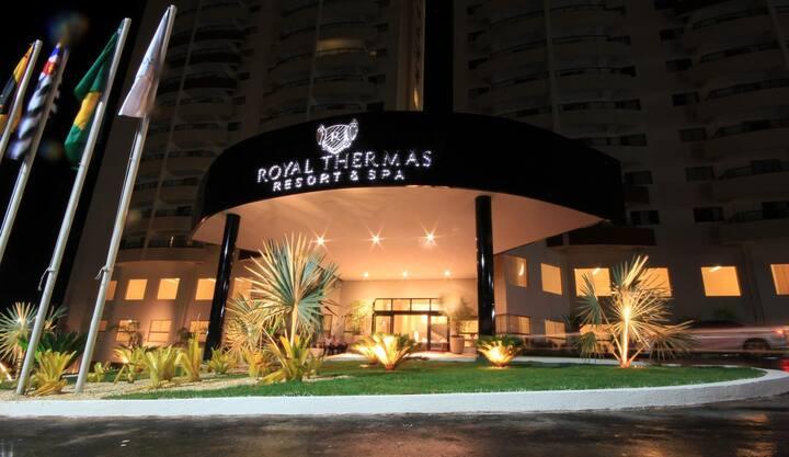 ROYAL RESORT COM ENTRADA EXCLUSIVA PARA O PARQUE