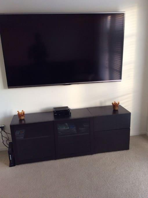 80 inch HD TV