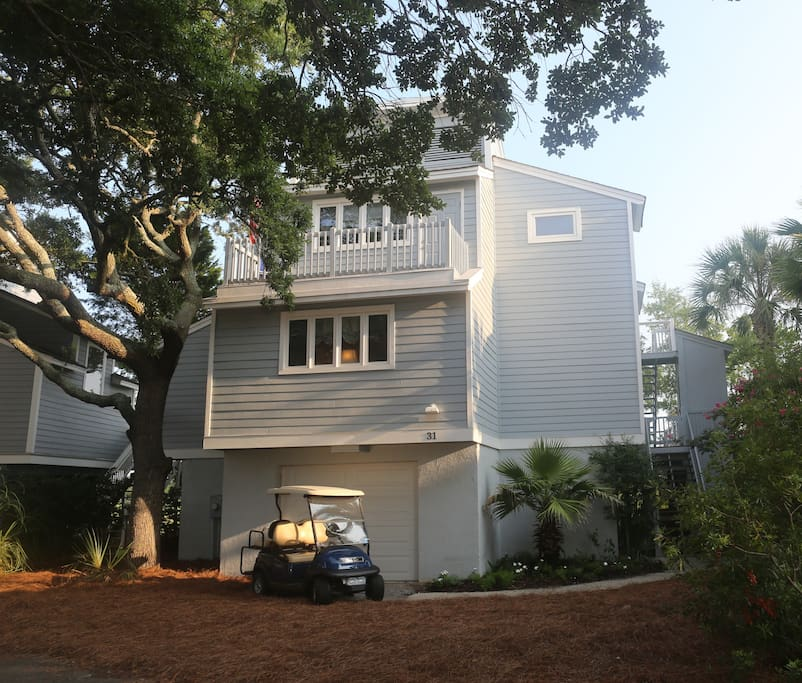 31 Marsh Island--comes with a golf cart for easy access to the pool, beach, golf
