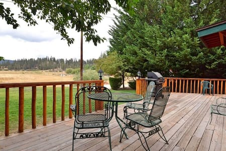 Fawnskin Cove: Hot Tub! Lake Views! Dog Friendly! - Fawnskin - Talo