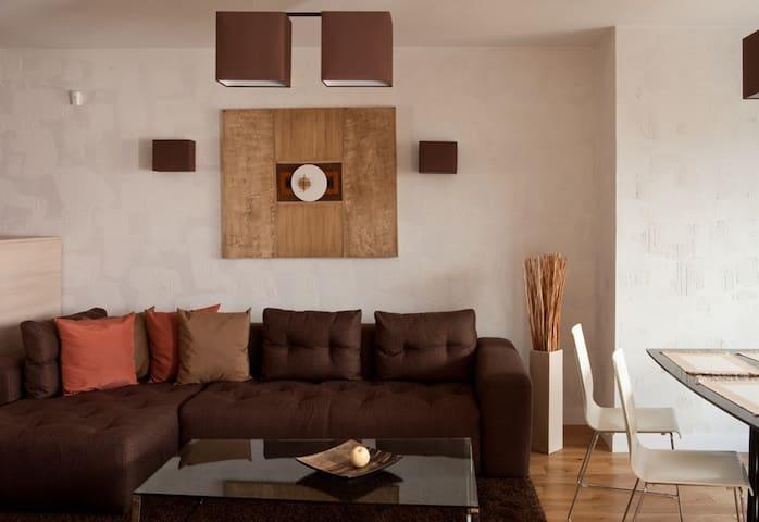 Modern comfortable apartment in natural shades - Sofia - Huoneisto
