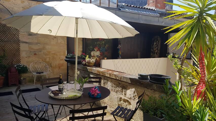 Loft contemporain avec terrasse et garage