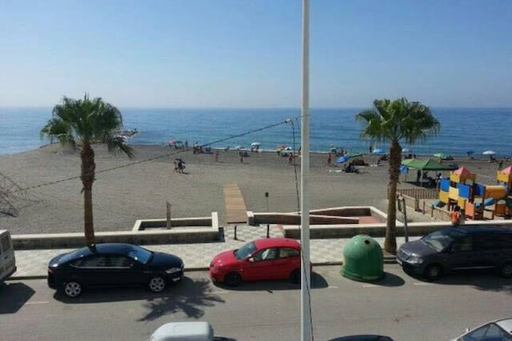 SEA VIEWS AT THE TROPICAL COAST - La Mamola - Apartment