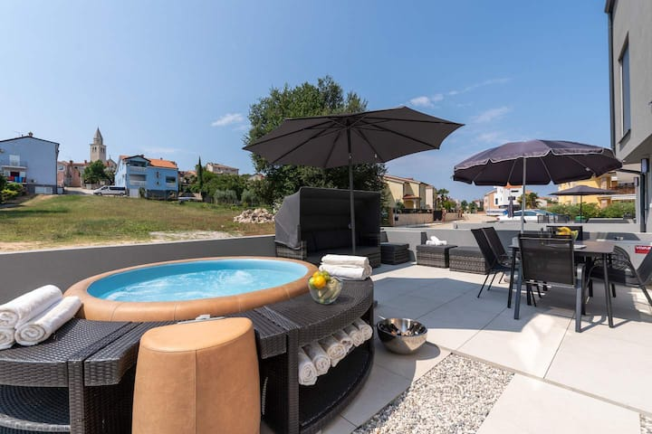 Casa Jugo with whirlpool, located 250 m from beach