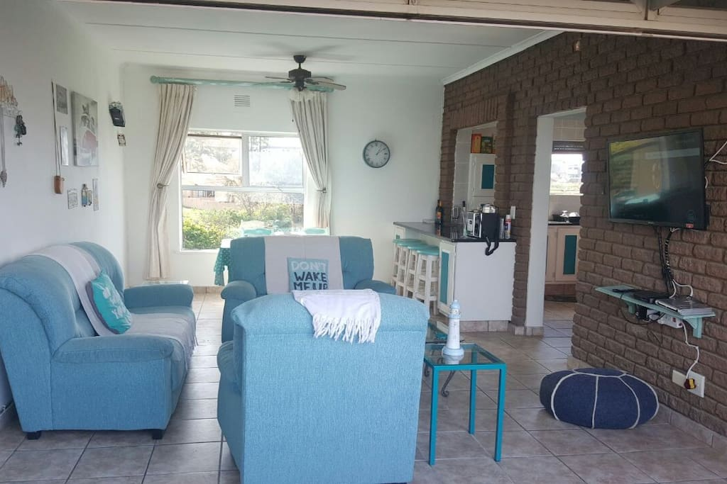 Together with Full DSTV, Wifi and view of the sea, you can't help but love this apartment