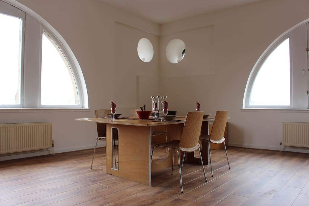 Main Living Space: Dinning Area