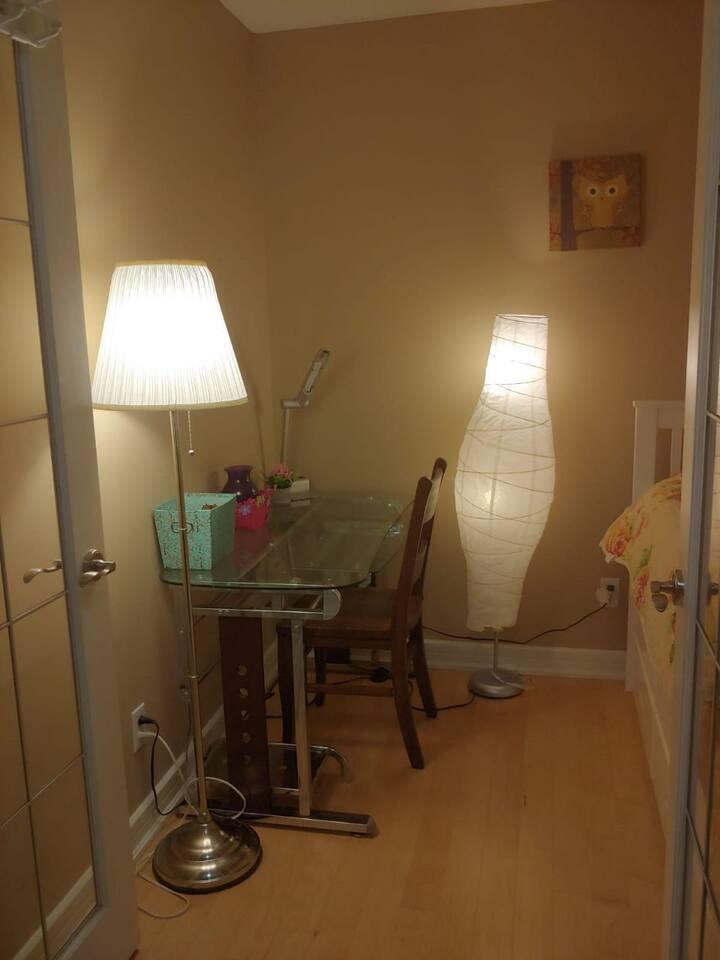 Cozy room in a lauxurious condo