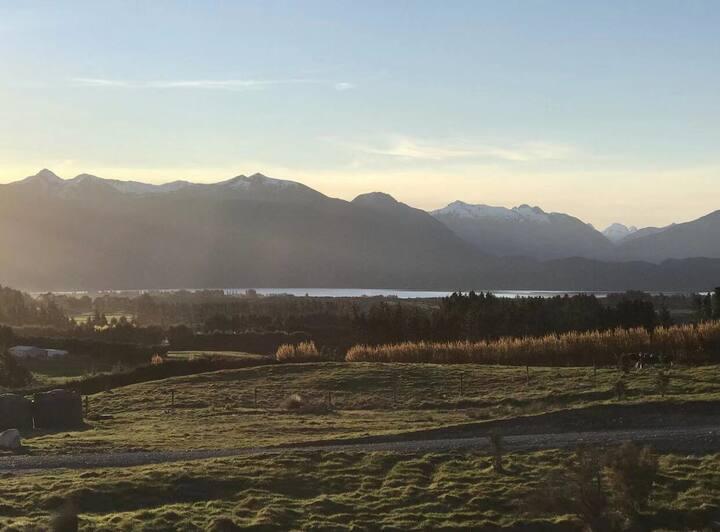 Fiordland Nest - lake/mountain/farmland view!