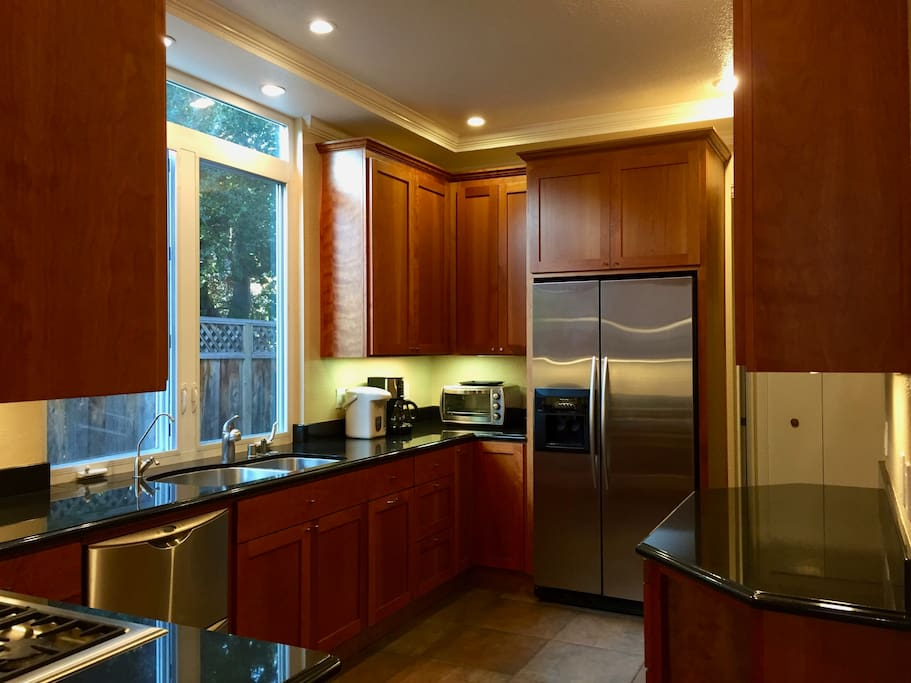 Kitchen: stainless steel appliances