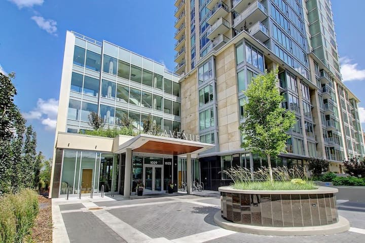 Modern Stylish Downtown Condo with HUGE Patio