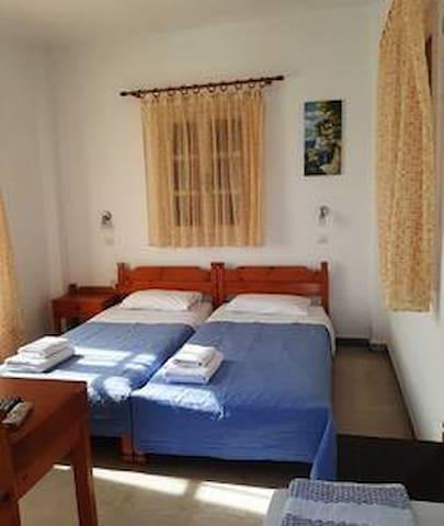 Hotel Kastelakia Room 9