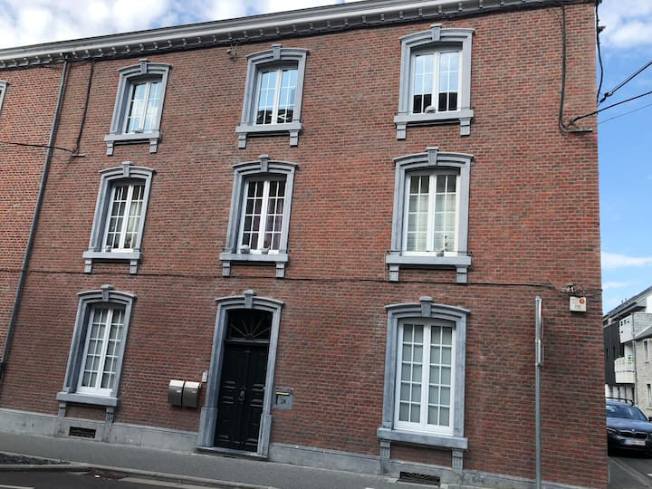 Appartement au cœur de Ciney « La maison Marchal »