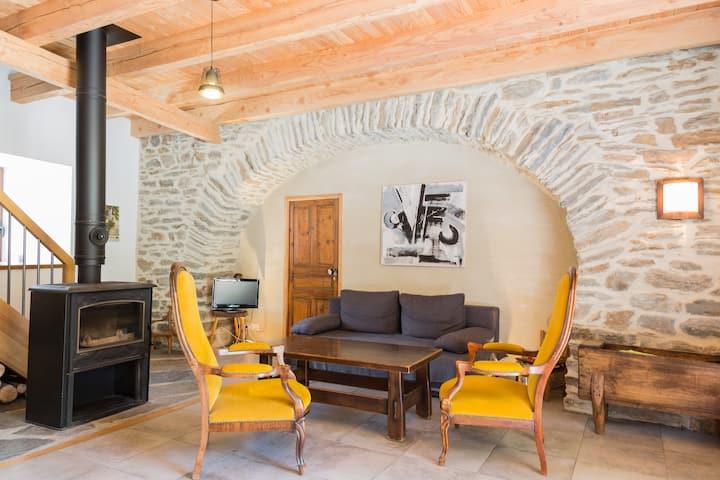 Grange rénovée aux portes du Parc des Cevennes