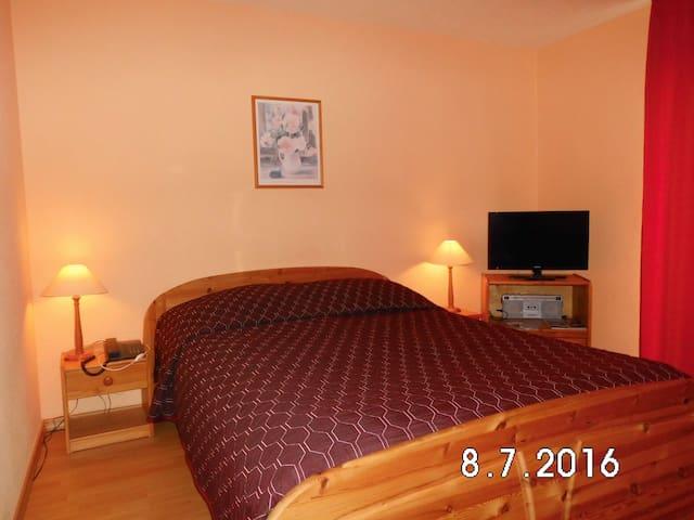 B- Sep. Gäste Apartment im EG, PKW Stellplatz