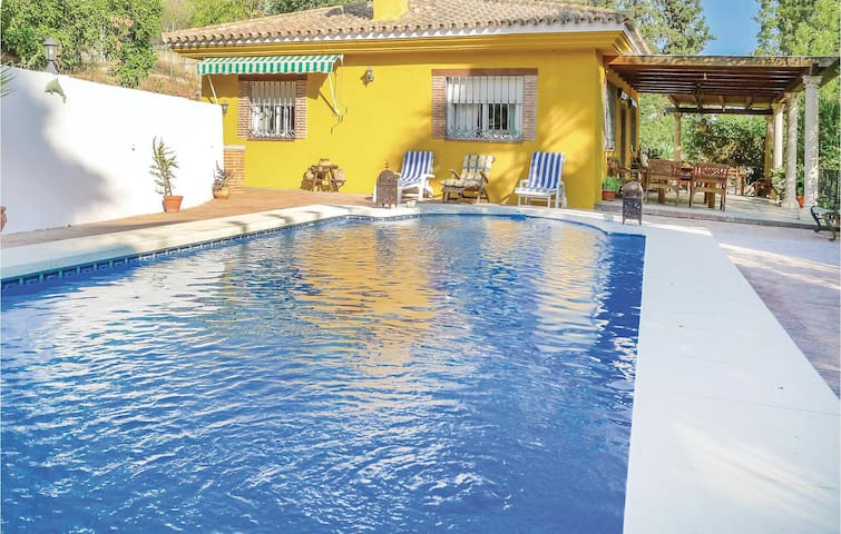 Holiday cottage with 2 bedrooms on 72 m² in Coin