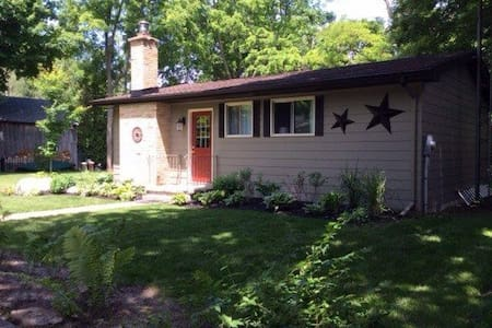 Bayfield Cottage - Bluewater