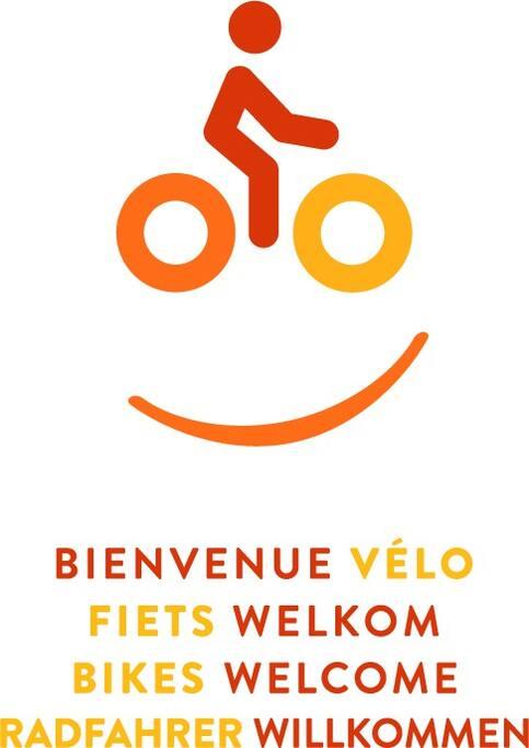 """La Chrysalide est labellisée """"bienvenue vélo"""" depuis 2016.  Garantie d'un accueil adapté à tous les cyclistes.  Situation à quelques mètres du Ravel L98."""