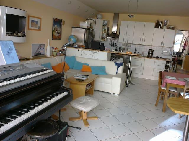 Grand Piano Apartement