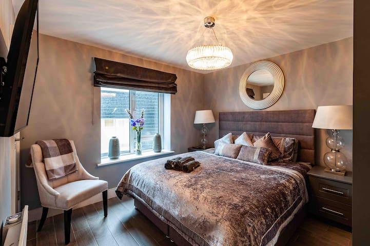 Kinsale Town House,6bedroom,sleep16 no taxi needed