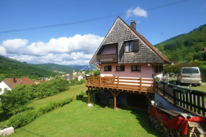Comfortable Holiday Home with Fenced Garden in Natzwiller