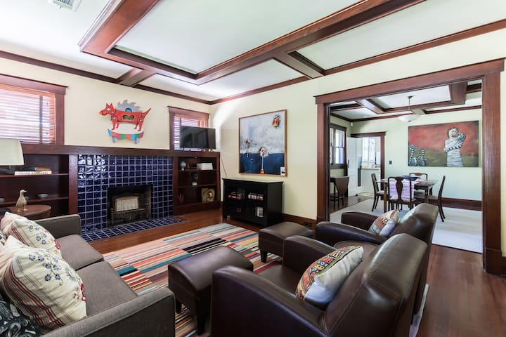 Fabulous Craftsman Bungalow!