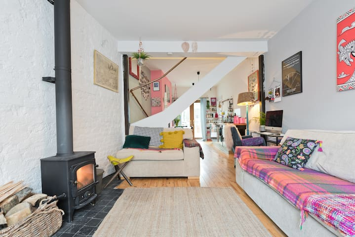 Beautiful house in Old Dublin with free Parking
