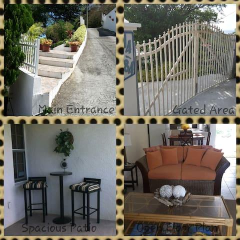 Enjoy the Atmosphere At Villa Vizcara - Citrusville!