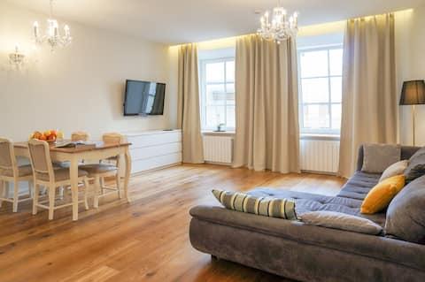 Mackerel's Luxury Old Town Apartment | NEW!