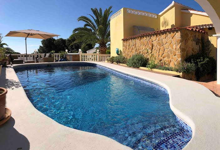 Casa Bonita, single villa, private pool,  Moraira