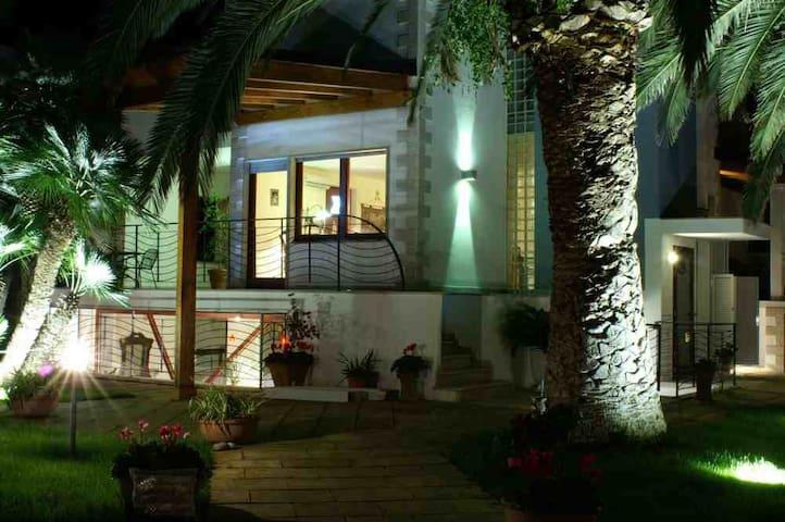 Villa Valeria e le sue suggestive luci