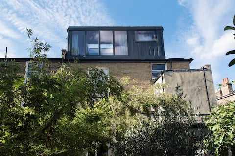 Stunning self-contained loft studio in Brixton.