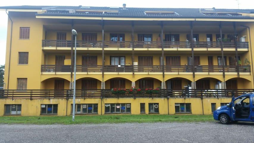 Accogliente bilocale arredato - Guanzate, Lombardia, IT - Byt