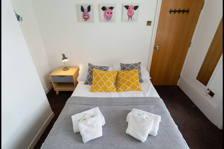 Cosy EnSuite Room 5min Walk To Brighton Pier