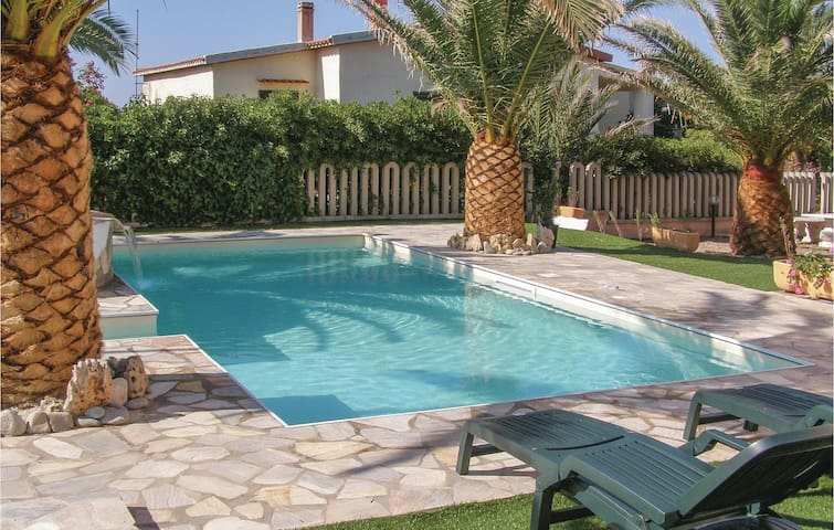 Holiday apartment with 2 bedrooms on 55 m² IGG051