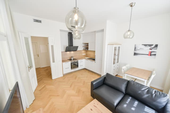 Brand New Apartment next to Old Town Square