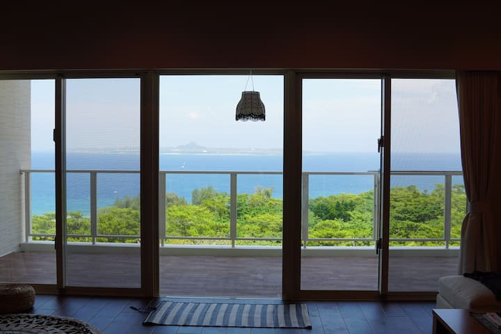 SALE! Ocean view newly condo! 2min aquarium 7ppl