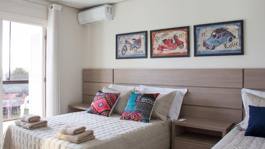 Dormitório 2 com sacada!