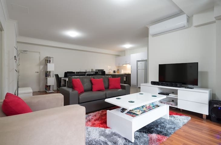 New Executive Apartment furnished - Dandenong - Apartamento