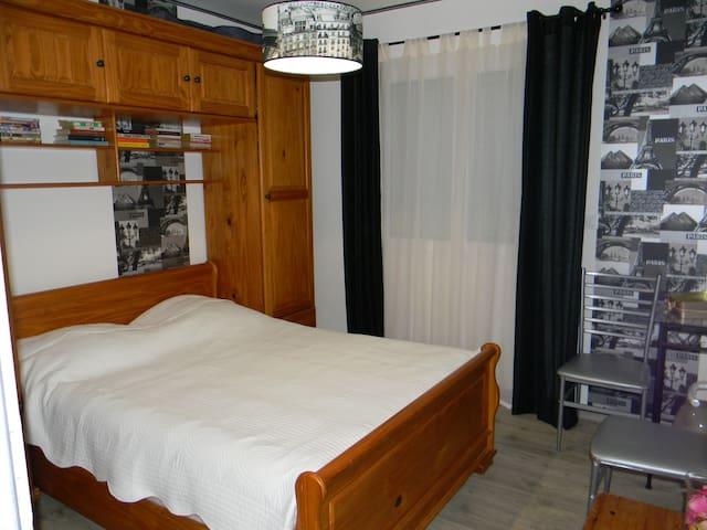 chambre a beaumont de lomagne. 82500 - Beaumont-de-Lomagne