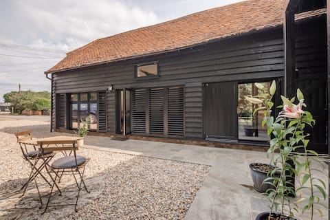 Brand new converted grade 2 listed barn.
