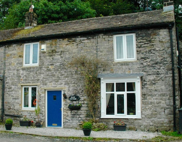 Dale Cottage, Castleton - Castleton - House