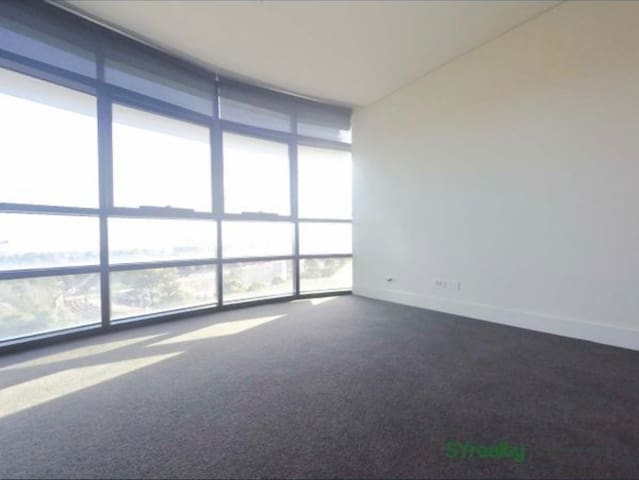 Small Private room in Sydney Olympic Park