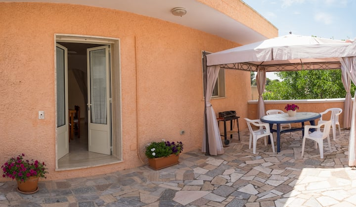 Bright apartment just steps from the sea of Apulia
