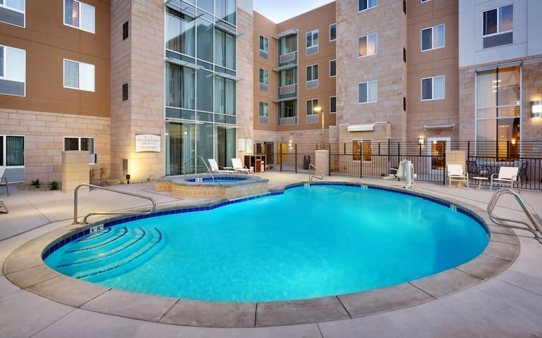 Free Breakfast. Pool & Hot Tub. Gym. Great for Business Travelers!