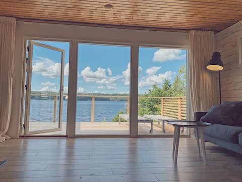 Lygnern House-Lakefront house with panoramic view