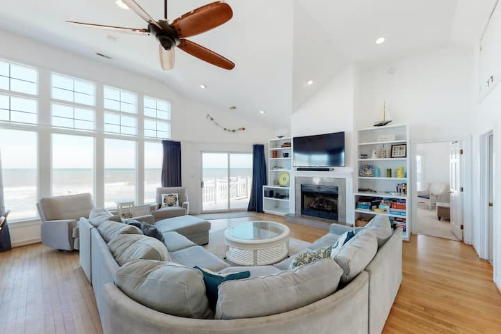 Oceanfront In Corolla w/Heated Pool, Hot Tub & Rec Room w/ Pool Table